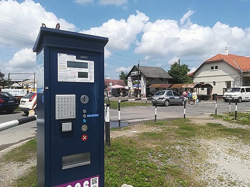 Újra fizetős lett a Zsibivásár előtti parkoló!